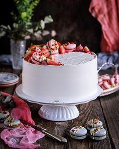 Jablkové tartaletky so slaným karamelom - Coolinári Birthday Cake, Ale, Desserts, Healthy Food, Basket, Tailgate Desserts, Healthy Foods, Deserts, Birthday Cakes