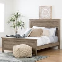 This Lionel Queen Panel Bed create a powerful focal point for any bedroom. Whether you're looking for an impressive guest room or a rustic master bedroom, the modern farmhouse design of this bed works perfectly. Platform Bed Sets, Queen Platform Bed, Upholstered Platform Bed, Tufted Bed, Queen Bedding Sets, Queen Beds, Rustic Master Bedroom, Oak Bedroom, Bedroom Retreat