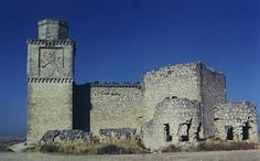 Barcience Castle lies, next to the village by the same name, in the province of Toledo in Spain.