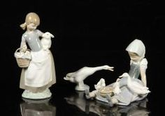 LOT OF 3 LLADRO PORCELAIN FIGURES Annual Holiday Auction   Official Kaminski Auctions