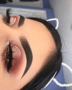 Makeup Tutorials Eyeshadow Looks each Makeup Geek At Target it is Makeup Vanity Homegoods most Makeup Looks Pale Skin regarding Makeup Revolution Eyeshadow Palette Iconic Fever Eyeliner, Makeup Geek Eyeshadow, Glam Makeup, Skin Makeup, Brows, Natural Eyeshadow, Eyeshadow Looks, Zoella Makeup, Fall Eyeshadow