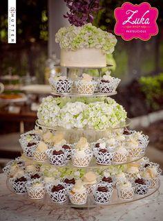 Wedding Cupcakes desserts cakes Sweet Bar, Wedding Cupcakes, Chocolate, Vanilla Cake, Place Card Holders, Desserts, Food, Gourmet, Dessert Tables