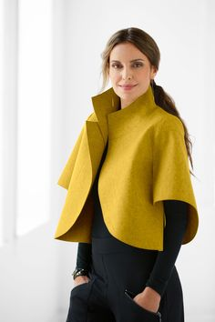 Citrino Jacket by Teresa Maria Widuch: Wool Jacket available at www.c… Citrino Jacket by Teresa Maria Widuch: Wool Jacket available Look Fashion, Winter Fashion, Womens Fashion, Fashion Trends, Kimono Mantel, Sleeve Designs, Mode Style, What To Wear, Fashion Dresses