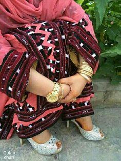 Balochi Girls, Dresses For Sale, Nice Dresses, Curvy Celebrities, Balochi Dress, Punk, Traditional, Pakistan, Celebrity