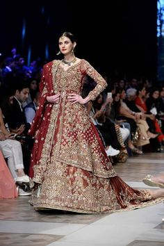 Nickie Nina Beautiful Pakistani Bridals ADEENA Collection at PLBW Lahore hosted the seventh PFDC LOreal Paris Bridal Week (PLBW) featuring some of the most celebrated designers of Pakistan as they showcase the latest bridal couture collections. Asian Wedding Dress, Pakistani Wedding Outfits, Wedding Dresses For Girls, Pakistani Wedding Dresses, Pakistani Dress Design, Bridal Outfits, Pakistani Couture, Shadi Dresses, Indian Dresses