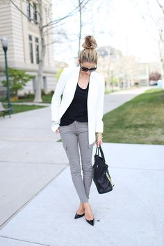 loving the simple gray jean styling. crisp gray skinnies + white blazer + flattering black tank.