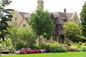Paine Estate in Oshkosh, WI-  The place for prom photos