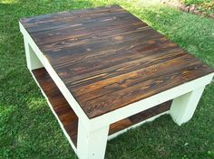 Large reclaimed pallet coffee table made from 100% cedar. Country Cottage/Farmhouse, beautiful! Join the #pallet #furniture movement.