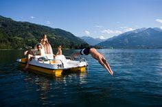 """Salzburgs Seen laden zum Sprung ins kühle Nass ein, denn die Wasserqualität stimmt. 34 Salzburger Badegewässer wurden mit 'ausgezeichnet' bewertet, drei mit 'gut'""""."""