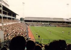 A packed White Hart Lane crowd watches Tottenham take on West Ham in 1983 Nostalgic Pictures, Tottenham Hotspur Football, Image Foot, Spurs Fans, White Hart Lane, Football Images, Football Casuals, Football Stadiums, Games Today