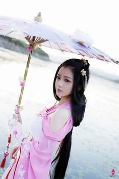 The awesome cosplays include pretty girls from Moonlight Blade, Overwatch, FATE, Re:Life in a different world from zero and many other games and animes. Asian Woman, Asian Girl, Pretty Asian, Fantasy Girl, Fantasy Queen, Poses, Chinese Culture, Hanfu, Cosplay Girls