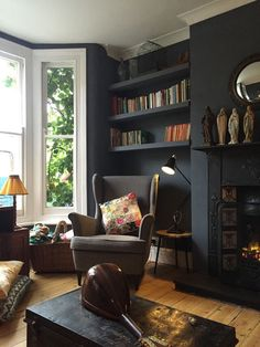 Stunning 44 Enchanting Victorian Living Room Design Ideas For The Comfort Your Guests. Dark Living Rooms, New Living Room, My New Room, Living Room Interior, Home And Living, Lobby Interior, Alcove Ideas Living Room, Living Room Bookcase, Living Room Plan