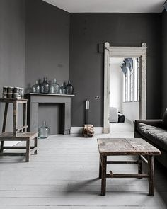 From formal to casual, and modern to classic, these grey living room ideas will satisfy every style of decorator.  #GreyLivingRoom #LivingRoom #DarkLivingRoom Grey Room, Living Room Grey, Home And Living, Living Room Decor, Gray Interior, Interior Exterior, Home Interior, Interior Design, Country Interior