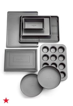 Everything you need to get your kitchen up & baking! This fully-stocked set distributes heat evenly, plus it has interlocking nonstick layers that effortlessly release food for Instagram-worthy results. Add the Calphalon bakeware collection to your Macy's Registry today!