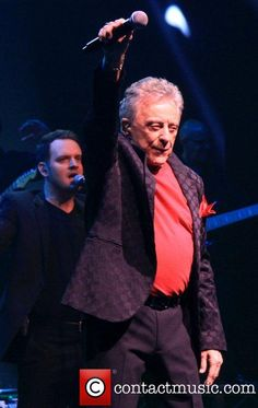 Frankie Valli and Four Seasons celebrate their Anniversary with Broadway show 'The One.' at the Broadway Theatre - Curtain Call - Pictures) The Jersey Boys Movie, Jersey Girl, Tommy Devito, Suits Usa, Frankie Valli, Movies For Boys, Music Do, My Generation, Pop Bands