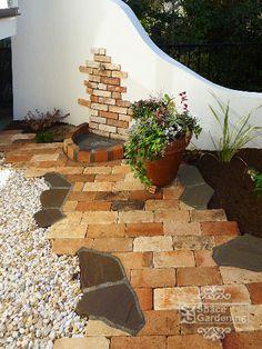 庭 塗り壁 レンガ