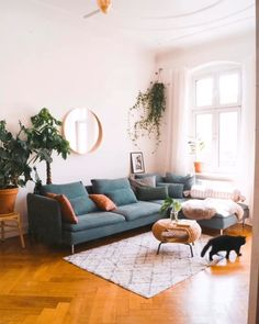 Deko-Tipps zum Wohlfühl-Wohnen – fridlaa You still need some inspiration? Here are your decoration tips for feel-good living. Living Room Ideas 2019, Living Room Inspiration, Sofa Inspiration, Room Interior, Home Interior Design, Art Deco Interior Living Room, Flat Interior, Interior Designing, Design Interiors