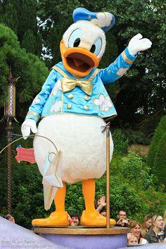 DLP Aug 2011 - Disney's Once Upon a Dream Parade