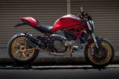 Ducati Monster 821 Special | Cabeça Motorizada
