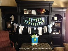 oh-boy-baby-shower-clothes-hanging.jpg (585×439)