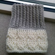 Boot_cuffs_-_double_design_-_cables_and_ribbing_001_small2