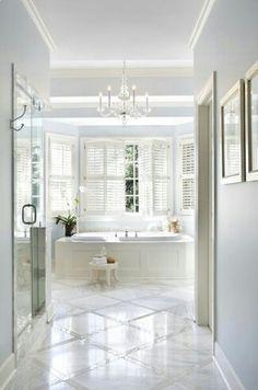 45 Great Bathroom Design With Marble Bathroom Tile Ideas Tolles Badezimmer-Design mit Marmorf Marble Bathroom Floor, White Marble Bathrooms, Bathroom Flooring, Marble Floor, Bathroom Wall, Bathroom Closet, Jacuzzi Bathroom, Guys Bathroom, Compact Bathroom