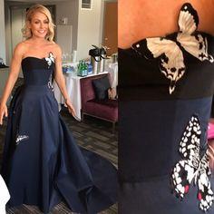Kelly's Fashion Finder Best Oscar's look! Simple Elegance, Elegant, Kelly Fashion, Carolina Herrera Dresses, Strapless Dress Formal, Formal Dresses, Kelly Ripa, Style Finder, Fashion Finder