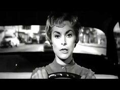 """Dirigido por Hitchcock,  Psicose  foi escolhido como o décimo primeiro melhor filme de todos os tempos pela revista """"Entertainment Weekly"""" e eleito  também como  o décimo oitavo melhor de todos os tempos pelo AFI( Instituto Americano de Cinema).   Psicose foi filmado em preto e branco por opção do próprio Alfred Hitchcock, que considerava que a cores o filme ficaria """"ensanguentado"""" demais. Para criar o sangue na cena do chuveiro foi utilizada calda de chocolate. Efeito de sonoplastia"""