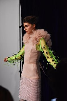 Amazing design by KIRSTY WARD - DAVID LONGSHAW, On/Off London! Insect Photos, Kids Fashion, Fashion Show, Love Magazine, Vogue Japan, Royal College Of Art, Show Photos, Color Shades, Looking Stunning