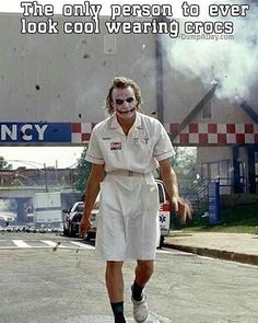 Heath Ledger as the Joker. I love how he walked in the scene. Truly showed how eccentric the character was. Batman Arkham City, Gotham City, Batgirl, Nightwing, Jason Todd Batman, Poison Ivy Batman, Tim Drake, Batman Beyond, Damian Wayne