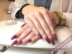 Matt Violett – Nail Design   Nail Art by My Nice Nails – ⓌⒽⒶⓉ ⒹⓄ ⓎⓄⓊ ⓉⒽⒾⓃⓀ? For more inspiration and info visit us at www.mynicenails.ch #MyNiceNails #gelnails #nails #nailstagram #nailswag #naildesigns #nailart #nailartdesigns #manicure #pedicure #nailpolish #shellac #shellacnails #nailszürich #manicurezurich #manikürezürich #nailstudiozurich #gelnägelzürich #nailsalonzurich #gelnailszurich Nail Swag, Nail Polish, Nagel Gel, Shellac, Nails Inspiration, Nail Care, Fun Nails, Pedicure, Nail Designs