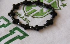 bracelet homme NEYMAR  croix et perles par madewithloveinaiaciu