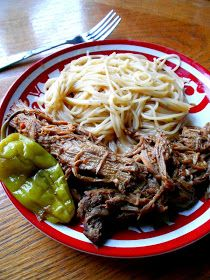 Pepperoncini Pepper Crock Pot Roast - Add a kick of flavor to your slow-cooked pot roast by adding pepperoncinis into the mix -- www.crockpotseasonings.com #crockpot #potroast #pepperoncini #recipe Crock Pot Slow Cooker, Crock Pot Cooking, Slow Cooker Recipes, Cooking Recipes, Pot Roast Recipes, Crockpot Recipes, Dinner Recipes, Crockpot Potroast, Paleo Meals