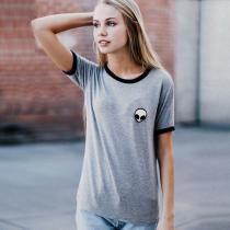 Gray Mulheres Moda Casual em torno do pescoço manga curta Patchwork Bordados Camisetas Tops