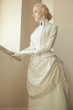 Portrait of model Elizabeth Worth, as Artifice from The Dark Victorian series. Mode Steampunk, Steampunk Clothing, Steampunk Fashion, Steampunk Wedding, Gothic Fashion, Asian Fashion, Girl Fashion, Edwardian Fashion, Vintage Fashion