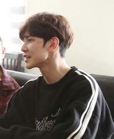 I want to kiss his birthmark god Minho, Jung Yunho, Korean Boy, Wattpad, Kim Hongjoong, Best Mother, Kissing Him, One Team, Bias Wrecker