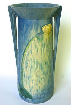 """Roseville Rare Monumental Futura Weeping Tulip-13"""""""