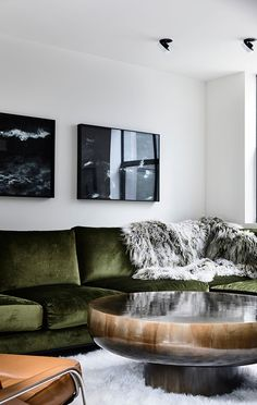 an example of some of our custom work. Here is a B.E Architecture designed, Arthur G manufactured built-in sofa. With proportions designed for hours of relaxation or movie marathons, this custom piece is the hero in the TV room. Made to order in Melbourne by Arthur G. See more at arthurg.com.au  #australiandesign #customsofa #tvroom #interiorinspo #design #interiordesign