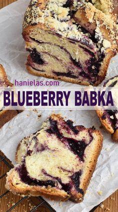 Blueberry Babka - Delicious and super easy to make Blueberry Babka (no resting overnight). Use fresh or frozen fruit. Kosher Recipes, Baking Recipes, Cookie Recipes, Dessert Recipes, Bread Recipes, Bread Dough Recipe, Tasty Bread Recipe, Povitica Recipe, Babka Recipe Jewish