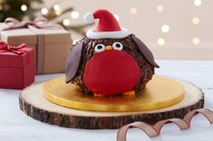 This little robin cake is perfect for the kids at Christmas, who aren't keen on a classic fruit cake - what kid doesn't love chocolate, after all?! His little hat and candy eyes make him fun and friendly, so he'll be a real hit, whether they help make or eat him!