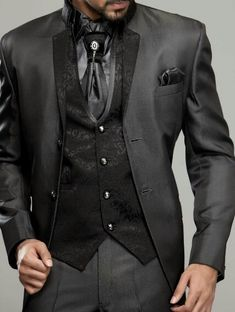 Gentlemen: #Gentlemen's #fashion ~ Italian 3 Piece Suit.