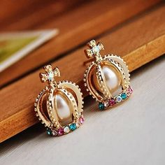 Crown Pearl Earrings