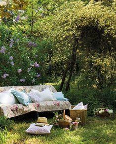 Afbeelding via We Heart It https://weheartit.com/entry/173275407 #garden #outdoorliving #relaxing #gardenspot #gardenstyling
