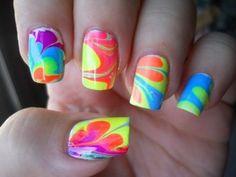Diseños de Uñas multicolores para el Verano 7