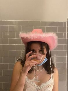 Mode Old School, Cowgirl Hats, Bday Girl, 14th Birthday, Insta Photo Ideas, Teenage Dream, Aesthetic Girl, Swagg, Look Cool