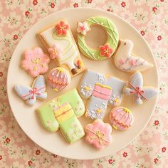 📷 @pommecocoa * 皆様お正 Japanese Cookies, Japanese Sweets, Japanese Party, Galletas Cookies, Iced Cookies, Sugar Cookie Frosting, Royal Icing Cookies, Iced Biscuits, Flower Cookies