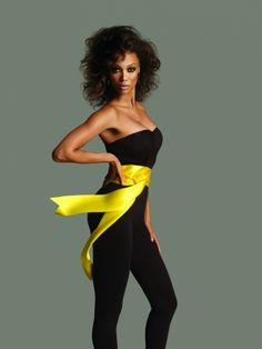 Tyra Banks in America's Next Top Model Tyra Banks Hair, Tyra Banks Show, Tyra Banks Modeling, America's Next Top Model, Good Poses, Photography Women, Photography Ideas, Great Women, How To Pose
