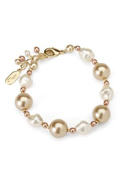 Pink pearl bracelet.: