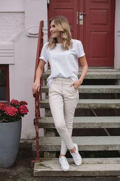 Angelie 238 Wind Jeggin | Carma White Jeans, Pants, Fashion, Model, Moda, Trousers, Fashion Styles, Women's Pants, Fashion Illustrations