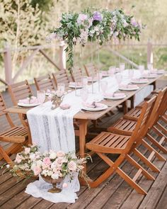 Beautifully dressed table - pink details (@medialesya)